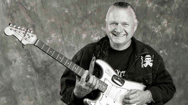 Morre Dick Dale, autor da canción icónica de 'Pulp Fiction'