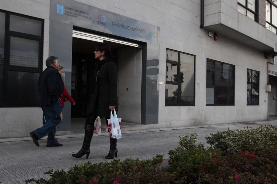 El paro desciende en galicia en personas for Oficina de emprego galicia