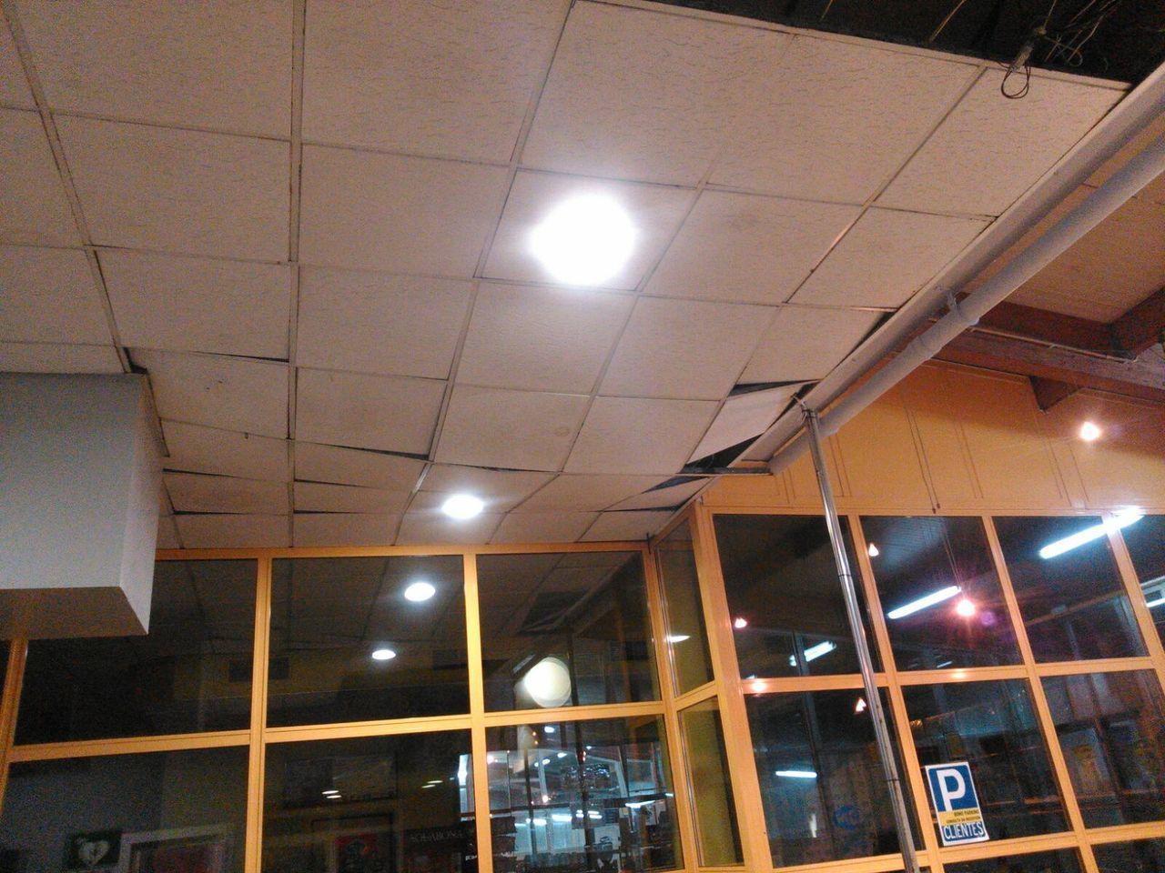 El pp denuncia el mal estado y la falta de seguridad de for Piscina campolongo