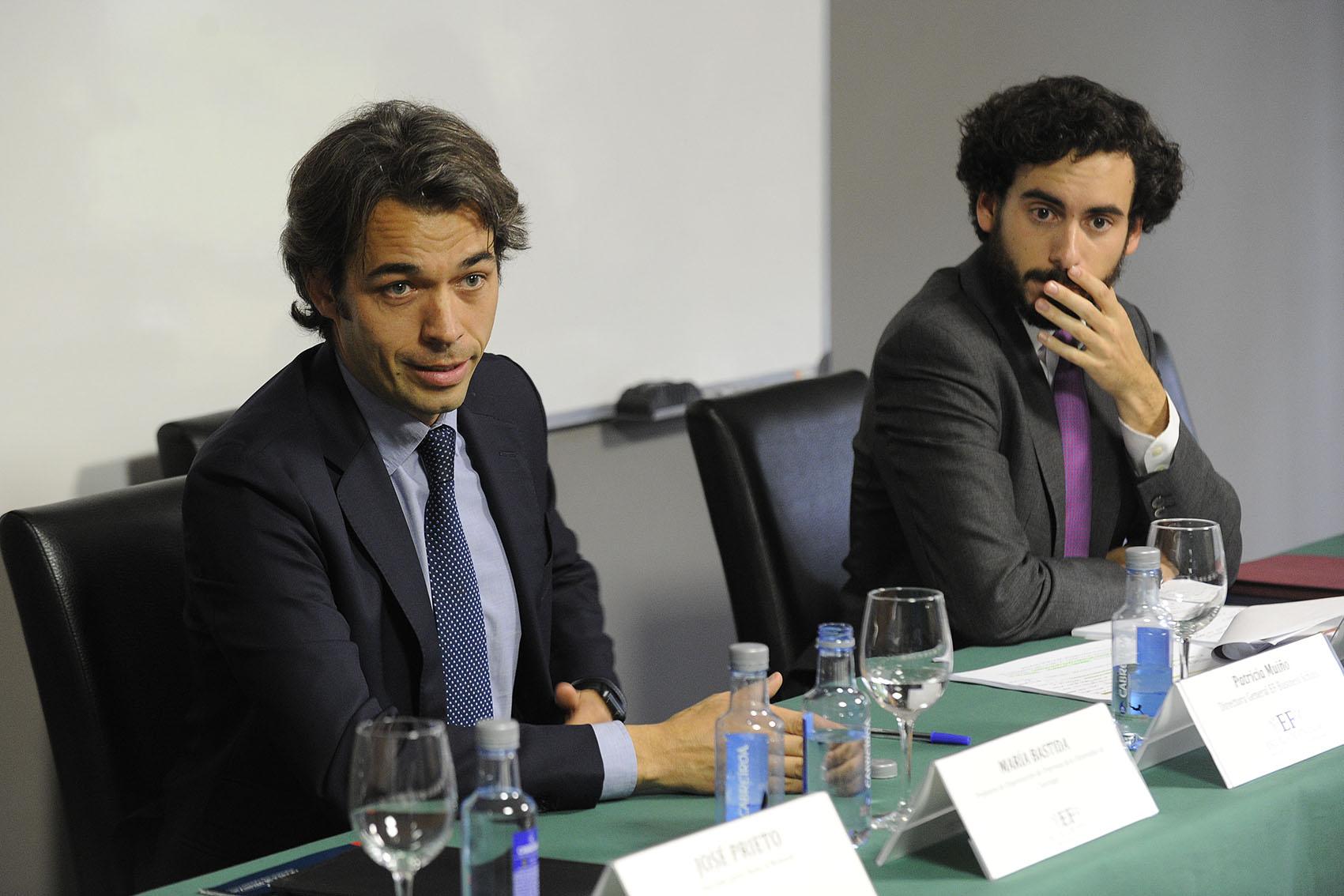 Dos expertos abordan en Oleiros las respuestas a conflictos laborales