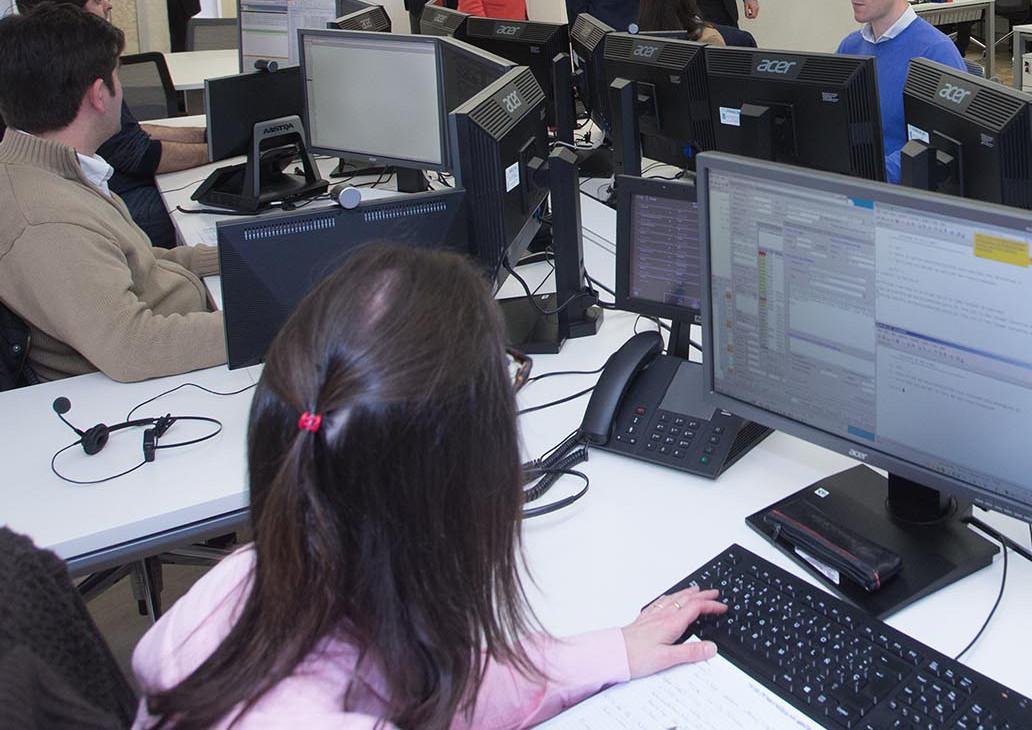 El salario medio mensual bruto en galicia fue 90 euros inferior al de la media del estado espa ol - Oficina de empleo pontevedra ...