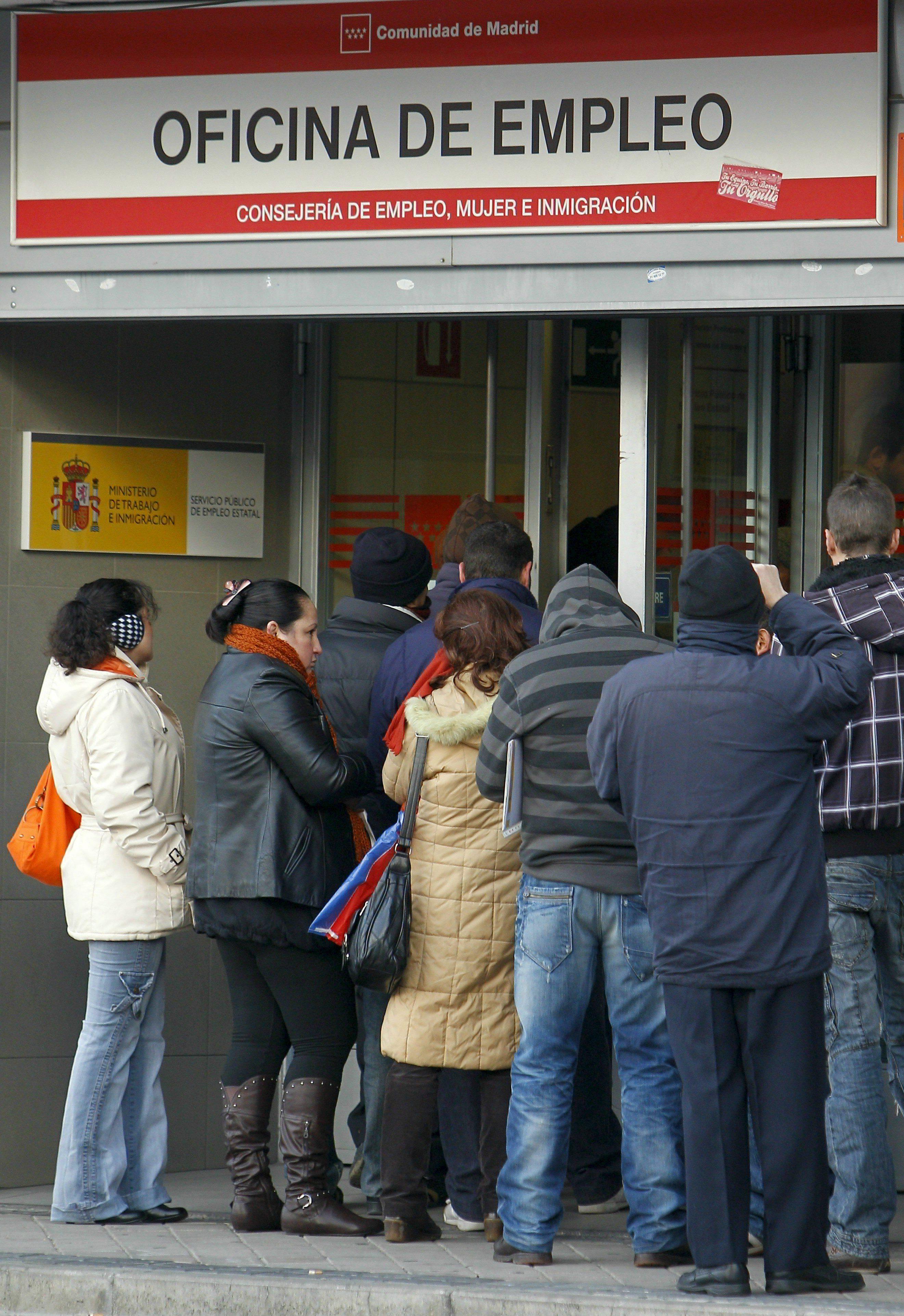 El paro registra en abril su mayor ca da mensual con 129 for Oficina de empleo pontevedra