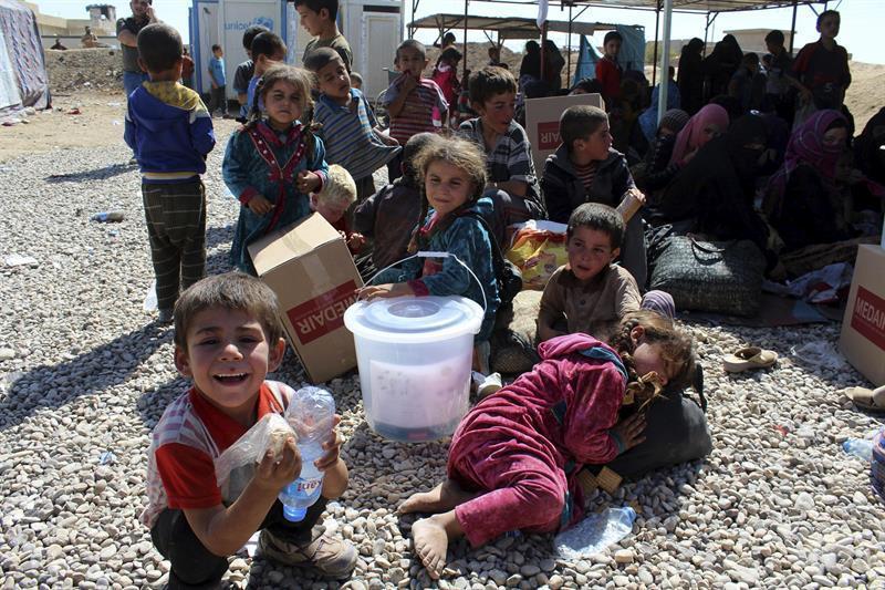 Niños en un campo de refugiados en Lesbos