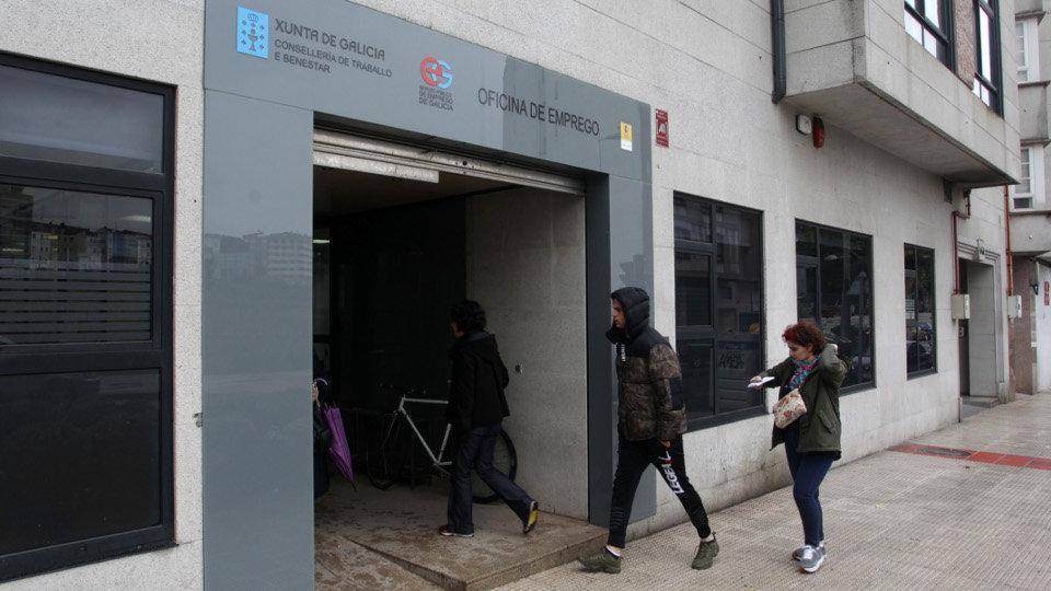 El paro baj en personas en 2017 hasta cifras de 2008 for Oficina de empleo pontevedra