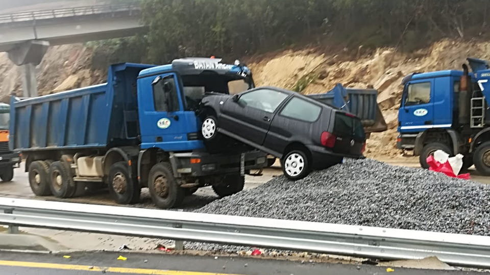 Accidente en el corredor de Moaña. DP