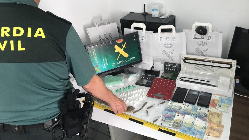 Material incautado por los agentes. GUARDIA CIVIL