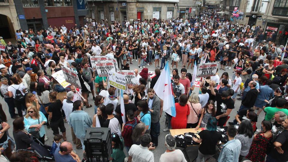 Cientos De Personas Exigen La Abolición De Las Corridas De Toros En Pontevedra