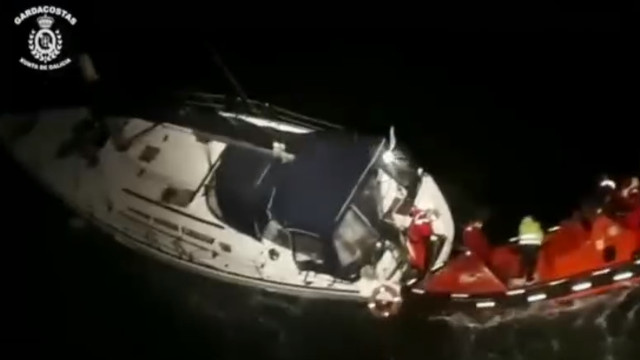 El velero interceptado con cocaína camino de Galicia llegará a ...